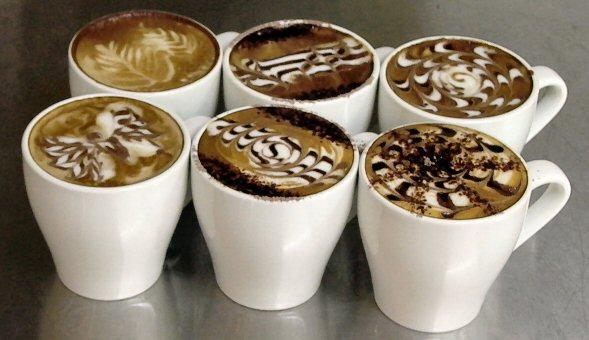 Cafés feito por barista