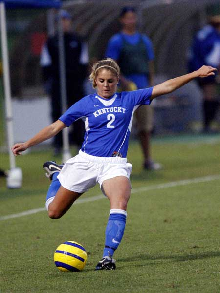 female soccer players Hottest female soccer players | hottest female footballers 2017 : women like having fun with balls besides and in a stylish way like football, they sure do have the 'kicks' and the kinks as well.