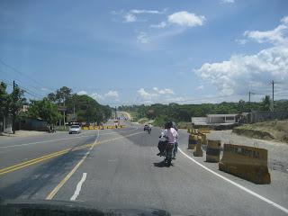 http://3.bp.blogspot.com/_3bbLz2EMEX0/Rm3une-CLkI/AAAAAAAAA7Y/M1ifXeaUvbo/s320/nuevacarretera.jpg