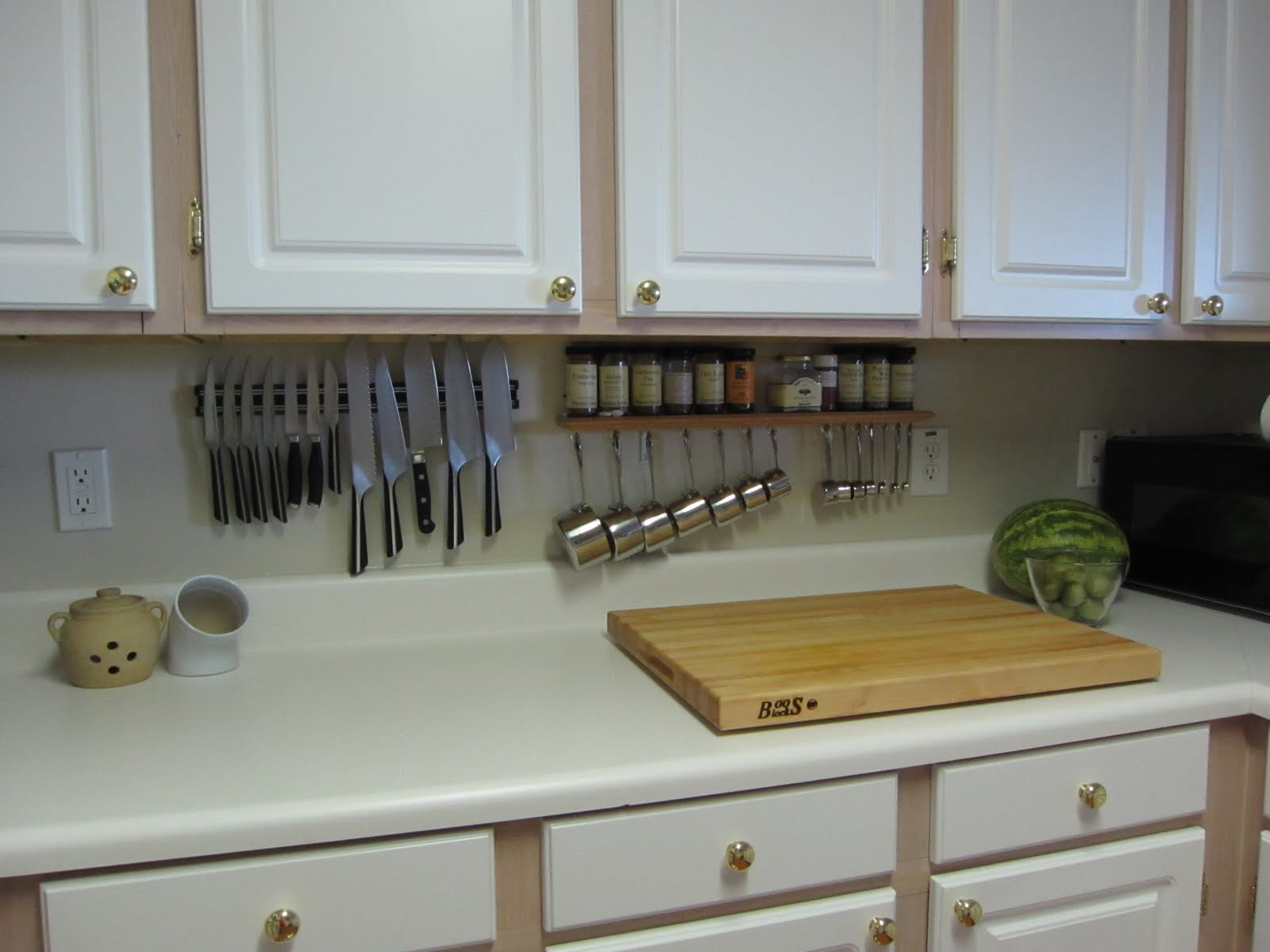 The Saucy Kitchen: Storage Solutions - Mini Pot Rack