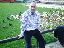 صورتى بجوار قصر باكنجهام - لندن