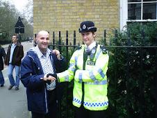 الشرطة الانجليزية حاجه تفتح النفس