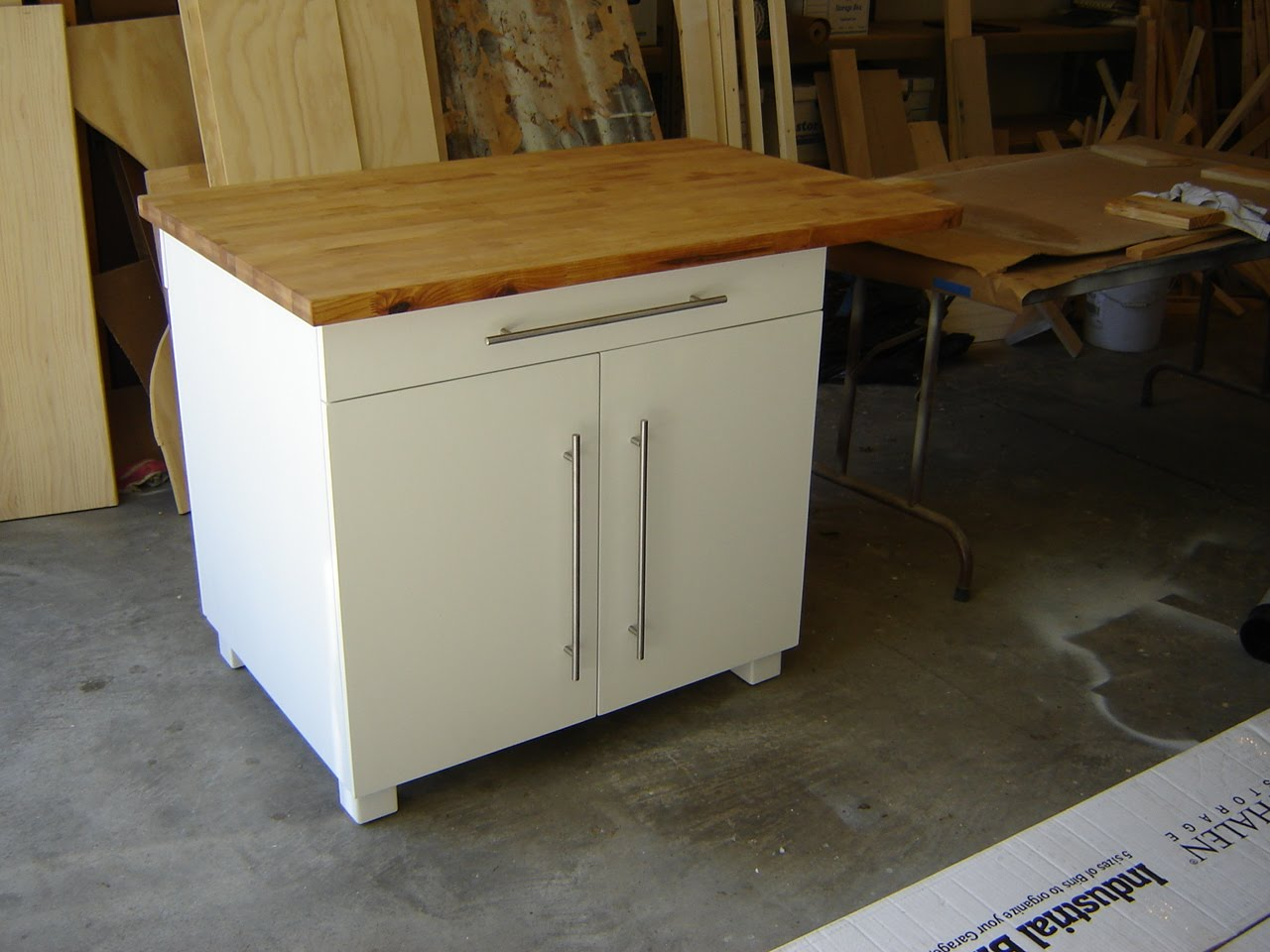 The woodmaster kitchen cabinet butcher block top for Kitchen cabinets top