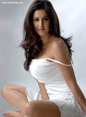 Sexy pose Katrina Kaif Photo