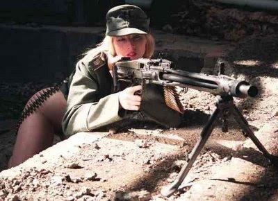 girls-and-guns-44
