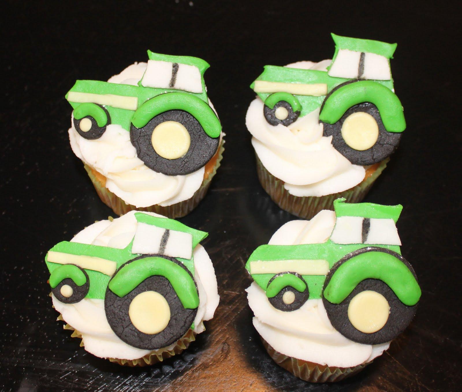 http://3.bp.blogspot.com/_3jXzkj44qbE/TJ4ItHUSg9I/AAAAAAAAAkM/Mpuv656eusk/s1600/John%2BDeere%2BCupcakes.jpg