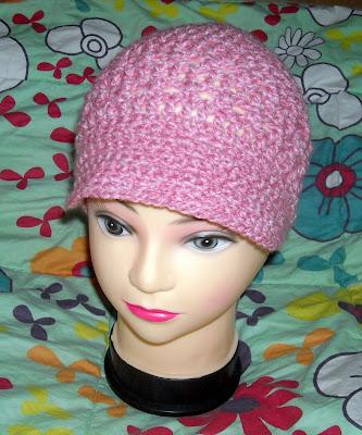 Gorro+tejido+a+crochet+con+visera.JPG