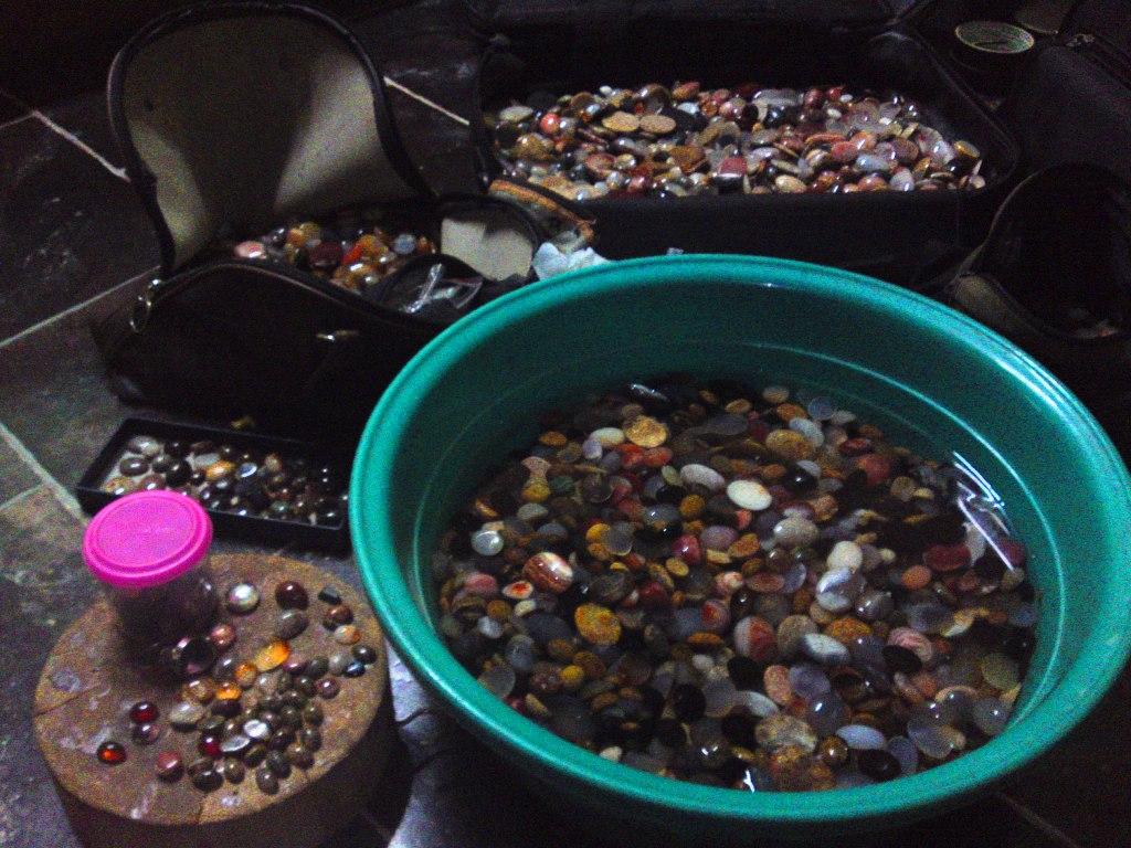 jika dicampurkan dengan permata sedia ada hampir 9000 biji kesemuanya