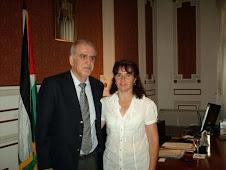 Sandra Gallardo junto al Embajador de Palestina Dr. Farid Suwwan.