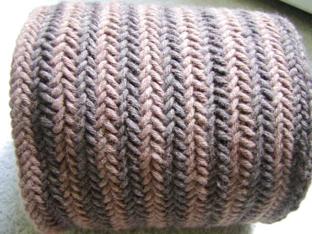 Herringbone Stitch Knit Hat Pattern : Knits Men Want: Reversible Herringbone Scarf