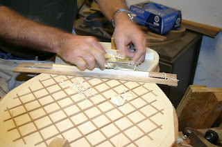 Shaping the bracing on a lattice top