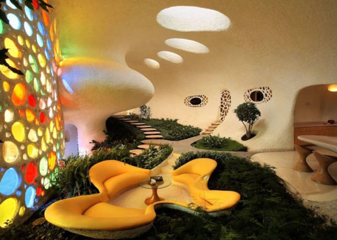 Extreme home bizarre giant snail home for Extreme interior design home decor