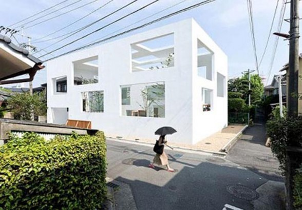 Extreme home minimalist open air white house design for Minimalist white house