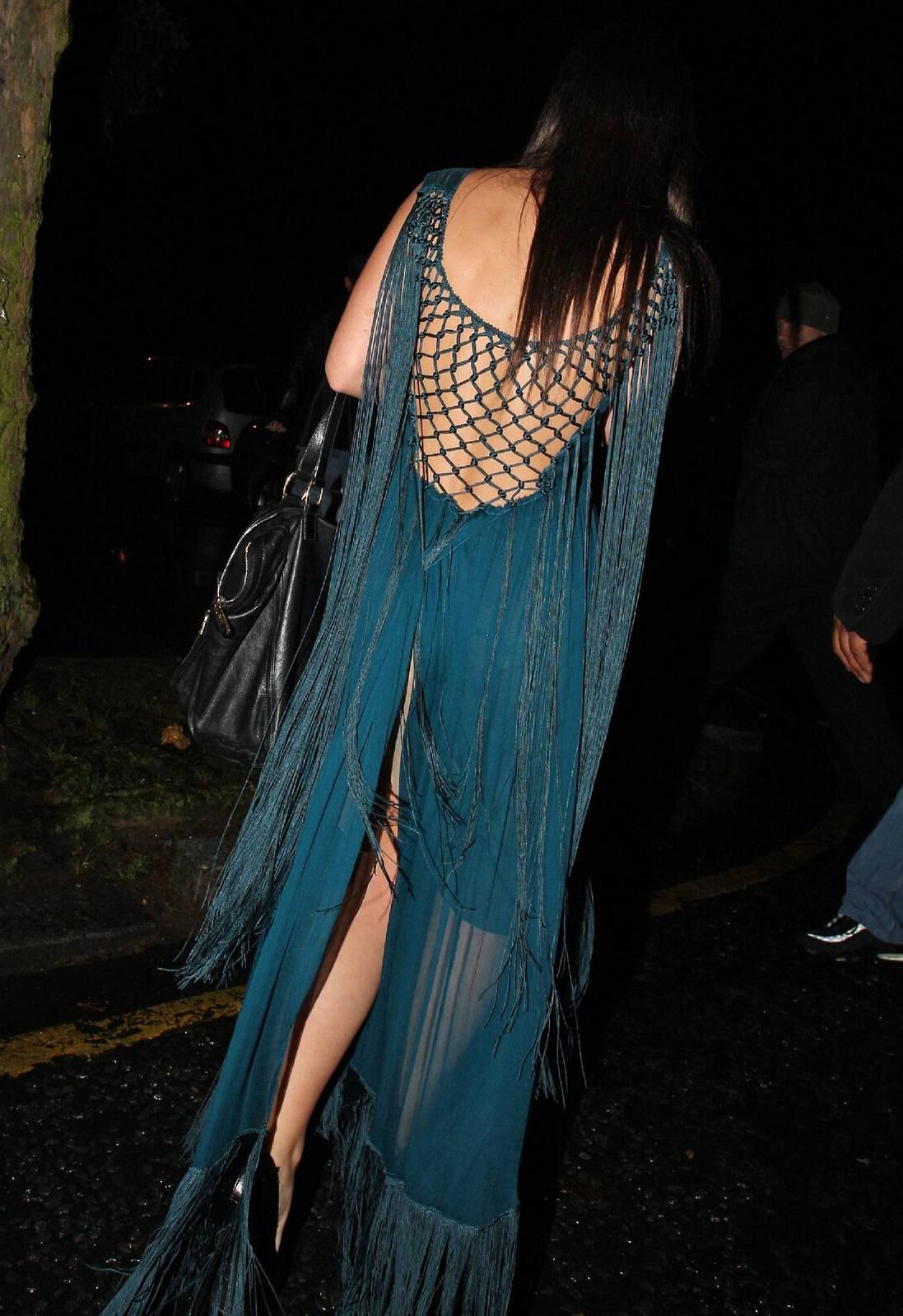 http://3.bp.blogspot.com/_3lrR1DXZVrw/TEXUspyNEnI/AAAAAAAAEG4/psEeKR5amvA/s1600/lily-allen-fringed-dress.jpg