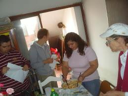 Preparando las ensaladas
