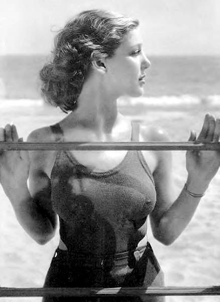 http://3.bp.blogspot.com/_3o9FUDlJrSw/TUMu9HUoJwI/AAAAAAAACQU/eE7lDdMpUr4/s640/loretta-young-as-buster-green-in-play-girl-1932.jpg