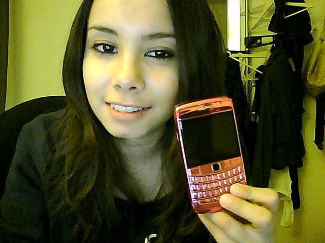 Iphone of blackberry - Geldt bold ...