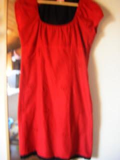mon vide dressing robe rouge etam. Black Bedroom Furniture Sets. Home Design Ideas