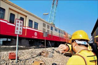 肉身擋火車 鐵路工救400人