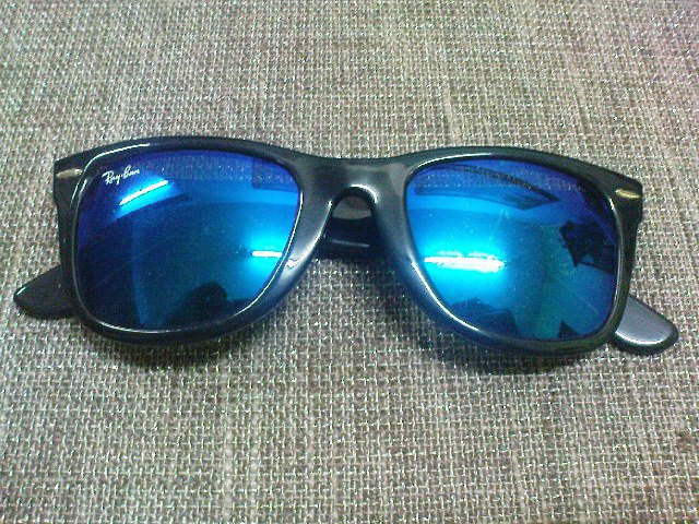 sunglasses  blue mirror wayfarers