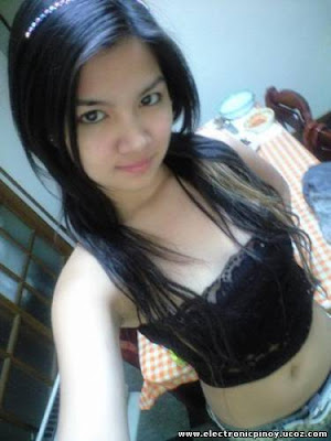 Pinay Puke http://picapink.blogspot.com/2009/12/most-popular-pinay-teen-in-internet.html