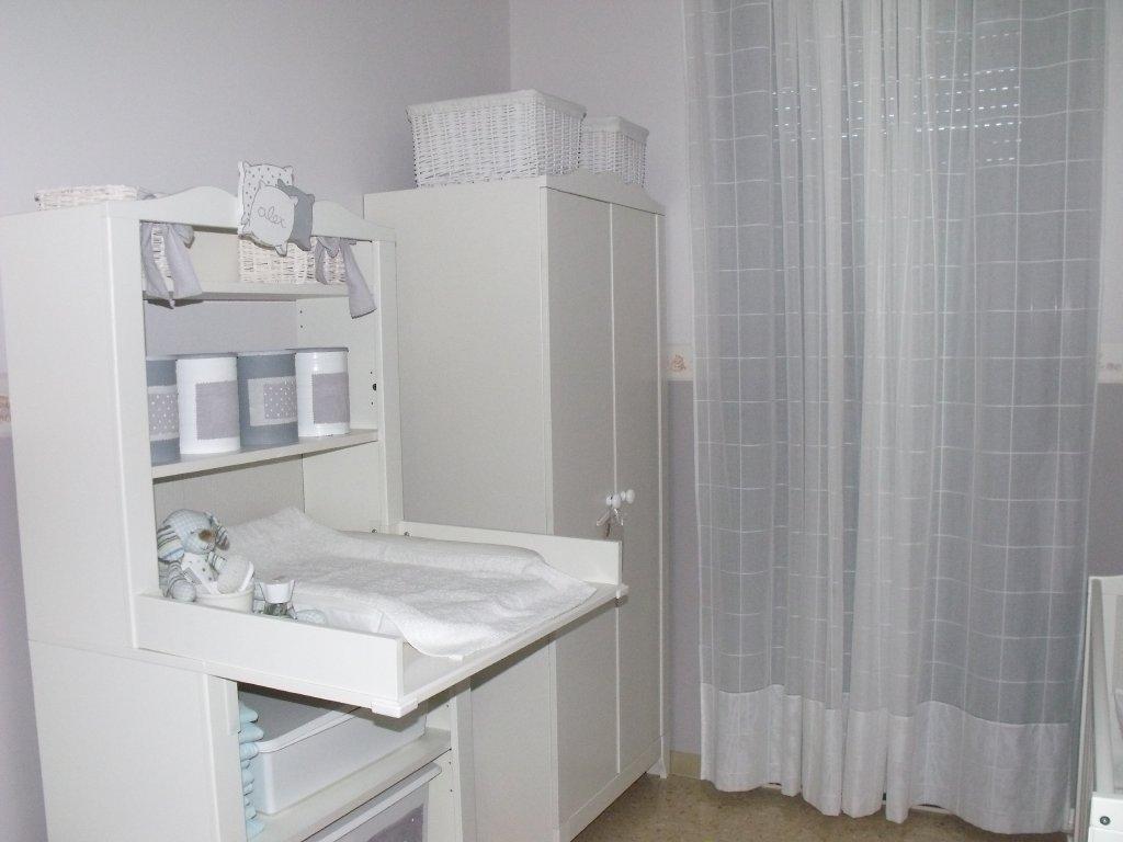 Caracolas deco un ambiente en gris y blanco la - Ikea habitaciones bebe ...