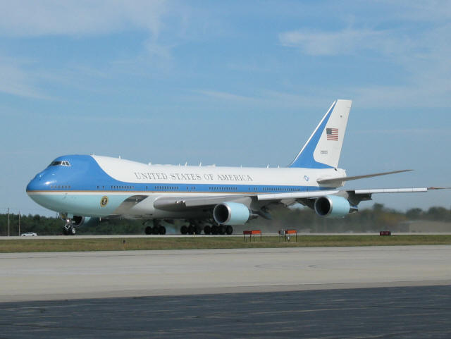air force one taxi for take off