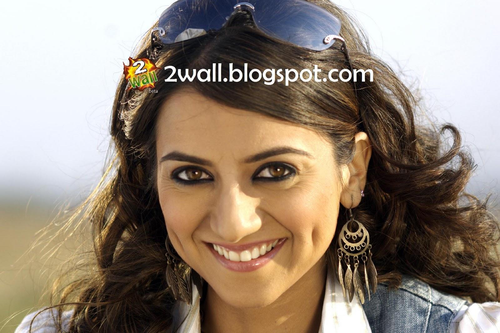 http://3.bp.blogspot.com/_3s5CHSQ3vWY/TSBYTjOgznI/AAAAAAAAAXU/KX9gHAutc9k/s1600/kulraj-randhawa-in-saree-wallpaper+copy.jpg