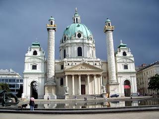Karlskirche & Karlsplatz