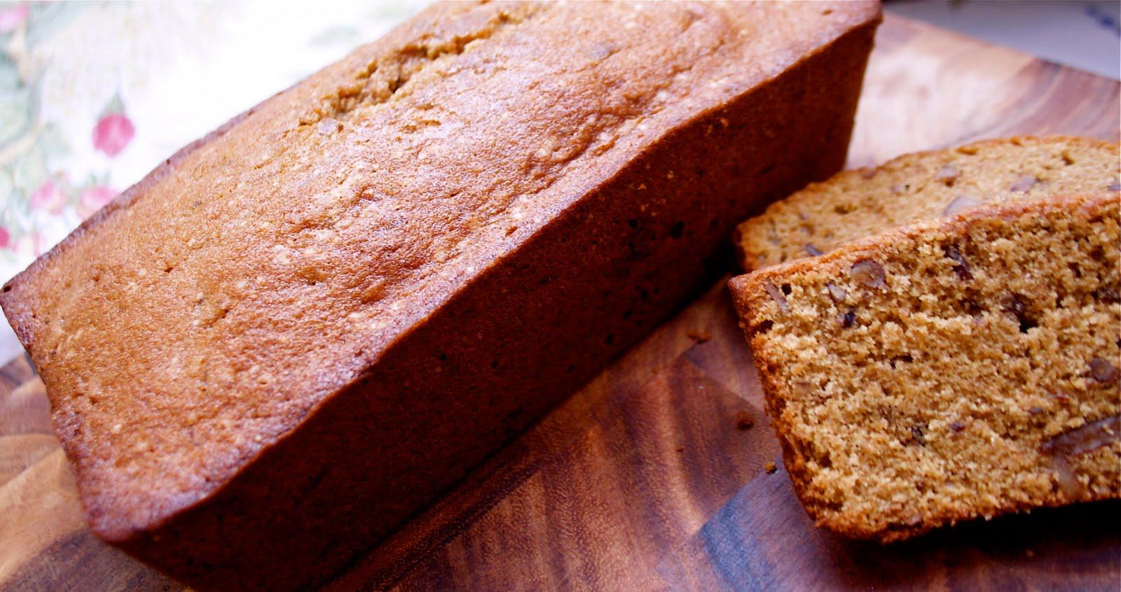 Bonnie the Baker: Brown Sugar Pecan Pound Cake