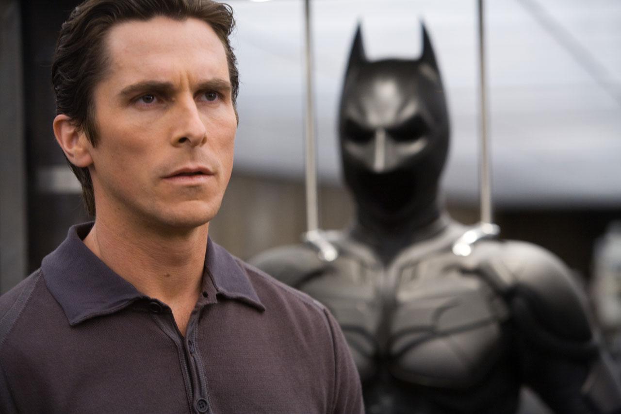 http://3.bp.blogspot.com/_3uDgLEKQHVA/TSmAR2PNdxI/AAAAAAAABgs/NeVmq7WGZ2g/s1600/The+Dark+Knight+Bruce+Wayne.jpg