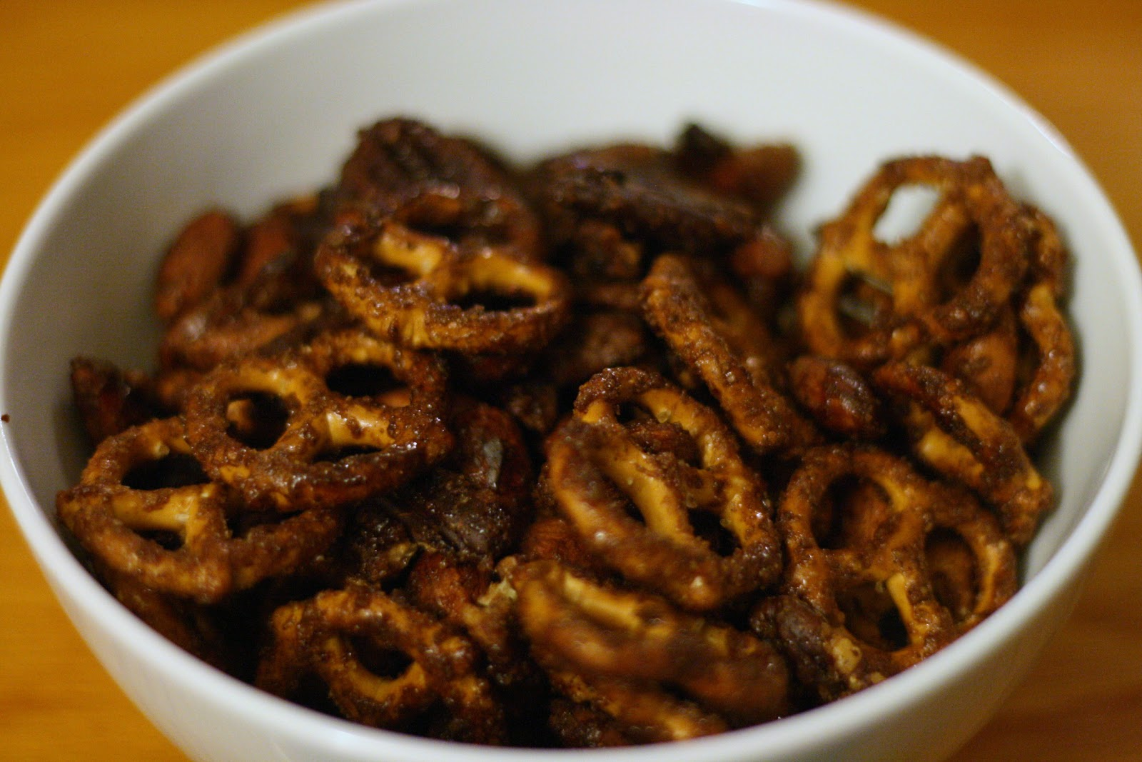 Laine's Recipe Box: Spiced Glazed Nuts and Pretzels Mix