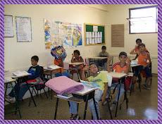 Alunos do 3° ano, realizando atividades relacionadas ao texto: DA CABEÇA AOS PÉS.E.E RUI BARBOSA