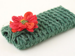 handmade iPod nano cosy by ffflowers