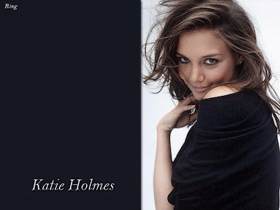 Katie Holmes sexy pose photo