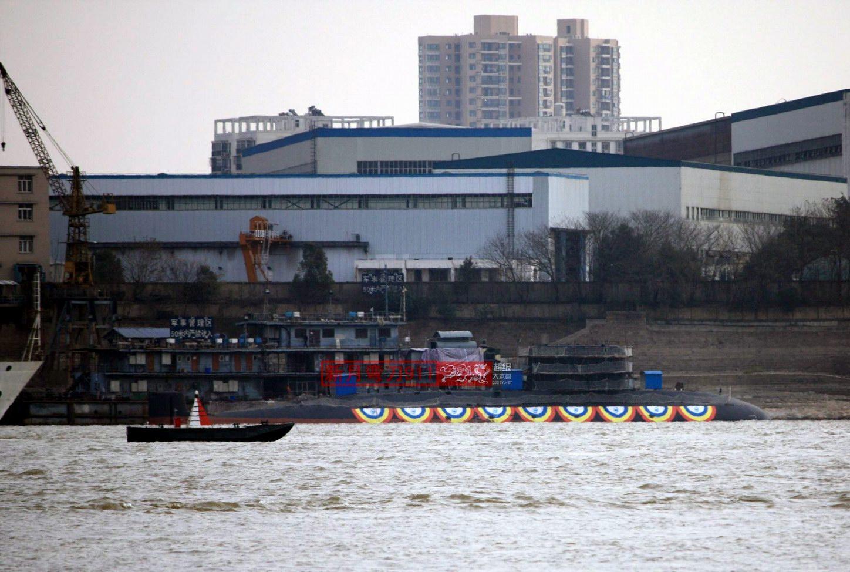 صدمةJ-20 الصين تظهر بناء غواصتان