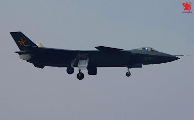 Chinese Chengdu J-20 stealth fighter - Page 2 1294875077_68034