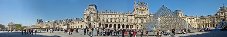 Vista panorâmica do Louvre em 2007
