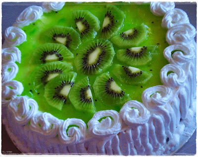 HOMEMADE kiwi/blueberry CHEESE CAKE