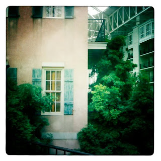 window Opryland Resort iPhone photography app hipstamatic