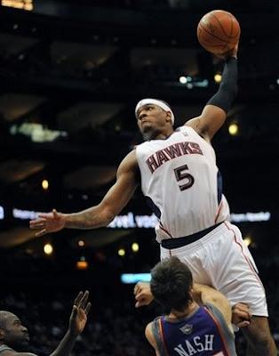 kobebryant dunks Kobe Bryant