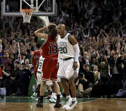 [2009+Playoffs+Game+2+Bulls+Celtics+-+Ray+Allen.jpg]