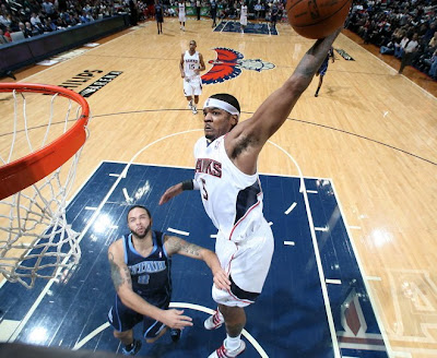http://3.bp.blogspot.com/_42w5-R0zz2g/SyzJc6-FxqI/AAAAAAAAKHg/JpyHR7Pzamg/s400/Josh+Smith+Dunks+On+Deron+Williams.jpg