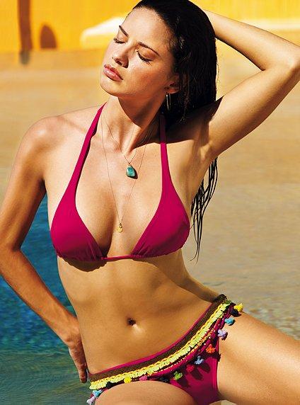 Adriana Lima sexy bikini photo