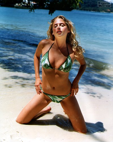 Estella Warren hot bikini photo