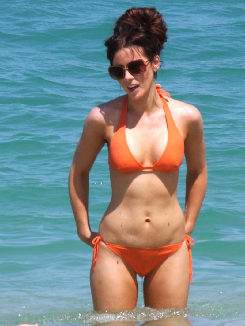 Kate Beckinsale bikini photo