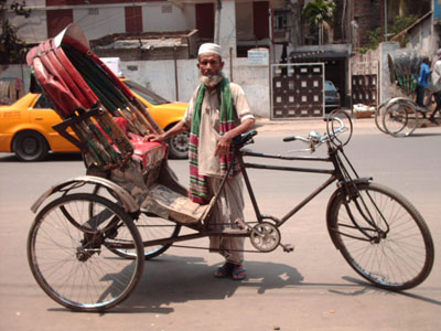 life of a rickshaw s puller A rickshaw puller from a bangladesh village used his savings to start a  north of  the capital dhaka, so that lives of poor villagers could be saved  for two  decades, mr abedin pulled rickshaws, carrying passengers and.