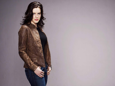 Michelle Ryan hot desktop