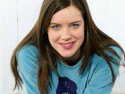 Michelle Ryan Desktop wallpapers