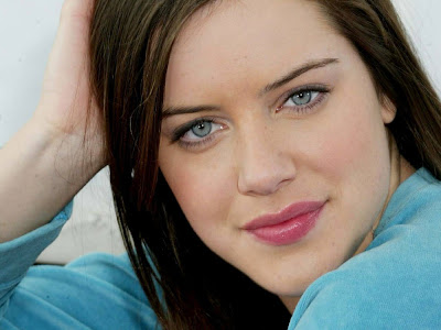 Michelle Ryan 1600*1200 wallpapers
